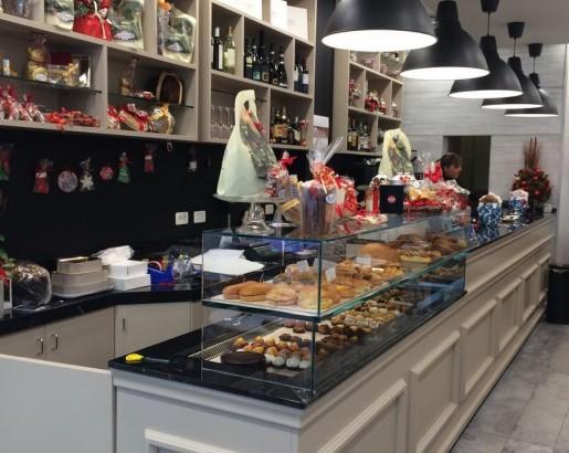 Arredamenti pesaro quartopiano restaurant rimini designed for Move arredamenti