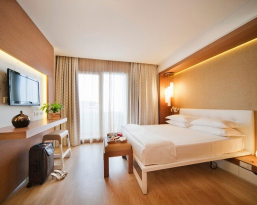 Nuovo arredamento hotel rimini viserbella oxygen 3 stelle for Arredamento 2014